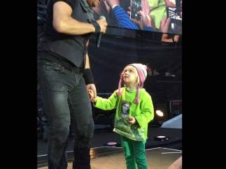 """La niña de Oslo que le """"robó"""" el show a Springsteen"""