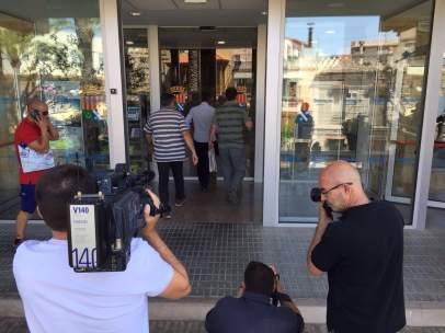 La Guardia Civil pide al Ayuntamiento de Benicàssim contratos con dos empresas