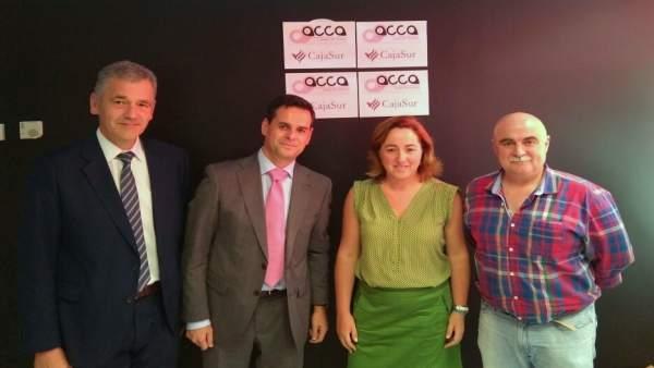 Firmantes del convenio entre CajaSur y ACCA