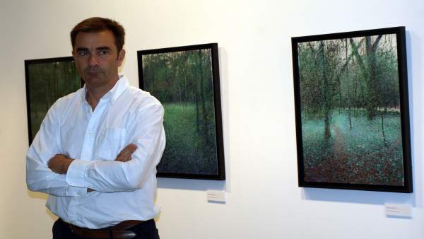 El pintor e ingeniero de caminos Pablo Giménez Olavarría en La Salina