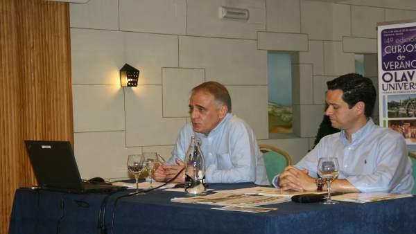 El periodista Ignacio Cembrero en los cursos de verano de la UPO