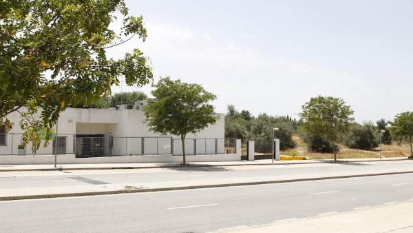 Construcción del colegio en la zona de El Almendral.