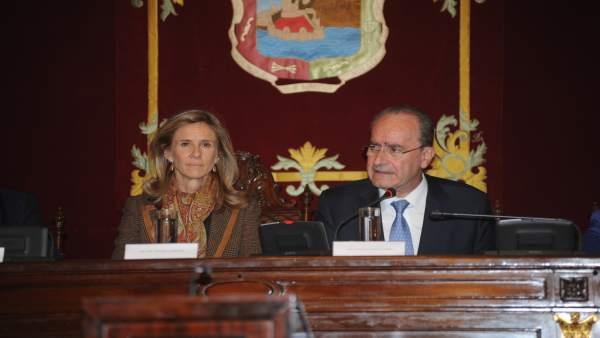 El Ayuntamiento De Málaga Informa: Reenvío De Nota Del Club Málaga Valley Y Foto