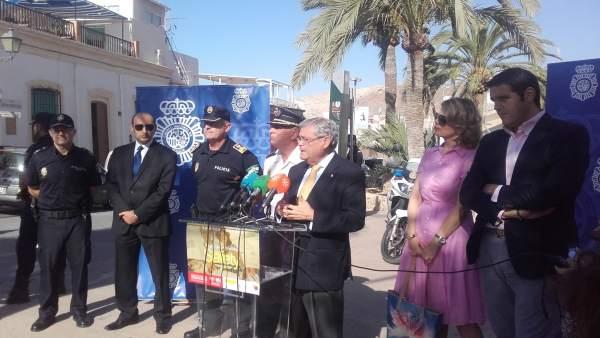 García Lorca presenta el operativo del Plan Turismo Seguro