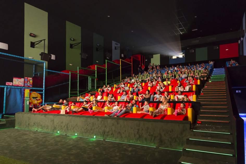 Pel culas parque y familia llega la fusi n a las salas - Fotos de salas de cine ...