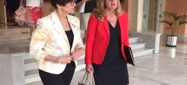La presidenta de OMEP, Manuela Marín con la presidenta de la Asamblea
