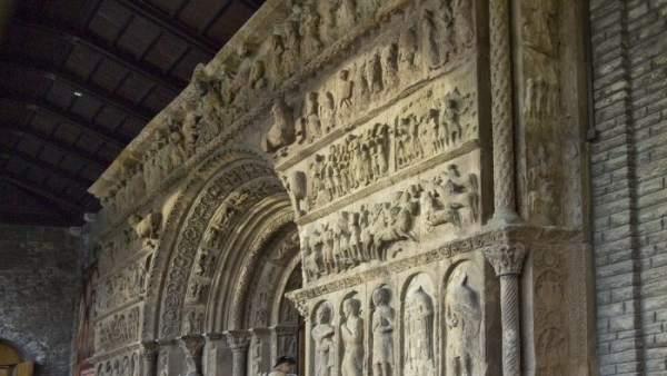 Portalada del monasterio de Ripoll