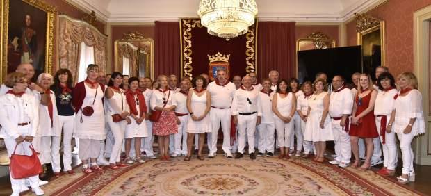 Recepción del Ayuntamiento de Pamplona a Bayona en Sanfermines.