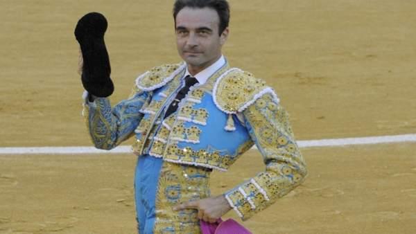 Enrique Ponce cornada astada feria fallas valencia parte médico