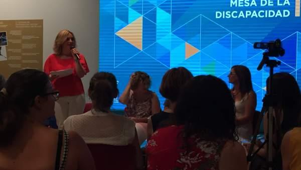 Conchita Ruiz en la presentación