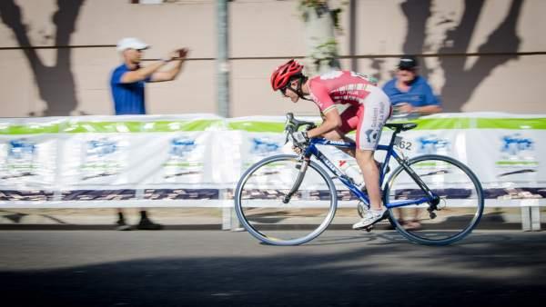 Una competidora del Campeonato de España de Ciclismo Escolar