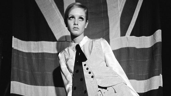 Terence Donovan - Twiggy, Woman's Mirror, 27 August 1966