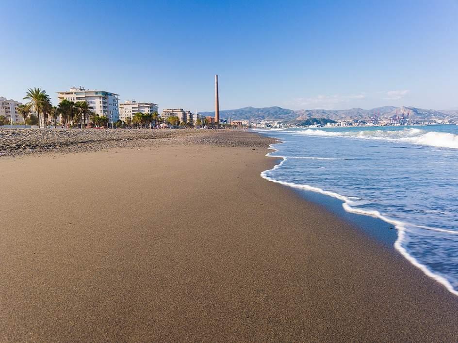 Descubre el mediterr neo con las mejores playas de m laga - Comedores escolares malaga ...