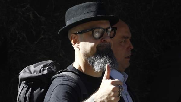 César Strawberry líder de Def con Dos