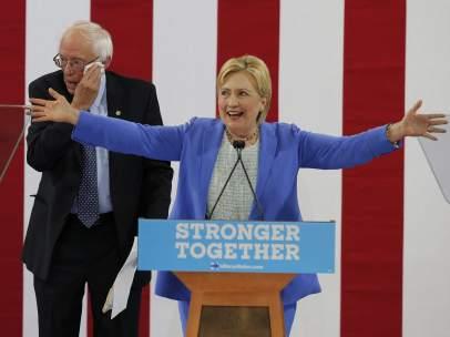 Sanders apoya a Clinton