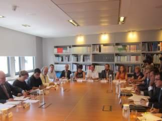 Reunión de Generalitat, Gobierno, Síndic y ayuntamientos sobre el 'top manta'