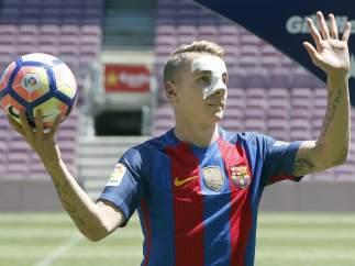 Lucas digne presentación Camp Nou