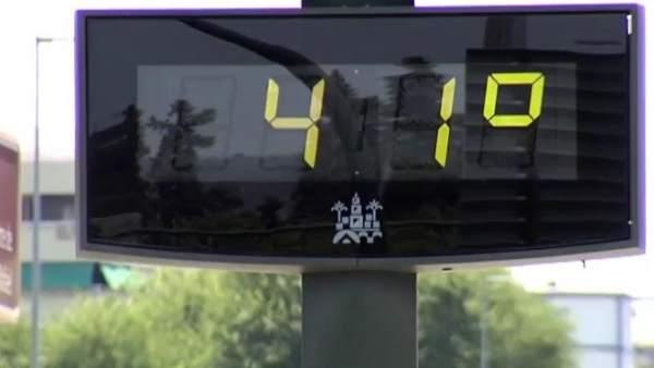 Termómetro durante una ola de calor.
