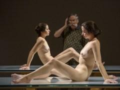 Esculturas de realismo extremo en una colectiva en Bilbao