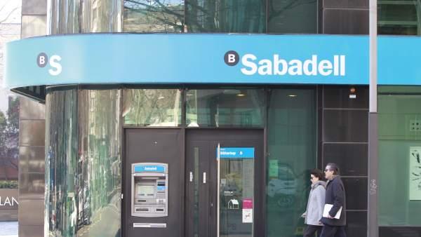 Aumenta el n mero de catalanes que empiezan a abrir for Oficina 5077 banco sabadell