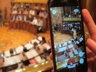 'Pokémon' En El Pleno Del Ayuntamiento De Barcelona