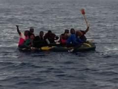 Llegan catorce inmigrantes subsaharianos al Estrecho de Gibraltar en patera