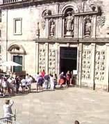 Grandes colas de turistas durante las fiestas de Santiago