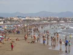 El turista nacional prefiere zonas de playa de Españaen Semana Santa y Londres y París en el extranjero