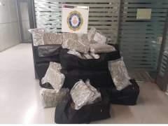 La Urbana de Barcelona detiene a un conductor con 150 kilos de marihuana en el maletero