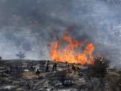 Evacuadas 20.000 personas por un incendio que ya ha arrasado 13.400 hectáreas en California