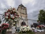 La iglesia normanda en la que tuvo lugar la toma de rehenes