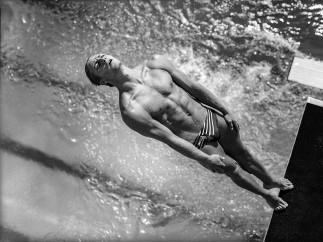 David Burnett (American, born 1946). Platform diving, Olympic previews, Fort Lauderdale, Florida, May 1996