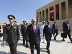 Erdogan propone subordinar las Fuerzas Armadas a la Presidencia