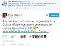 Rifirrafe entre José Blanco y Pablo Iglesias en Twitter por el atuendo de este en Zarzuela