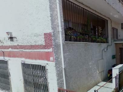 Fachada del domicilio donde presuntamente la mujer mató a su pareja de una puñalada