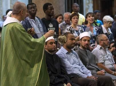 Musulmanes y católicos, juntos
