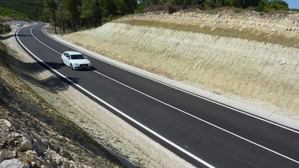 La DPZ ha arreglado la carretera CV-624 entre Valmadrid y La Puebla de Albortón