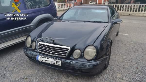 El Mercedes que provocó el accidente y se dio a la fuga