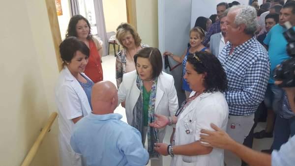 Sánchez Rubio en su visita al Centro María Mackay.