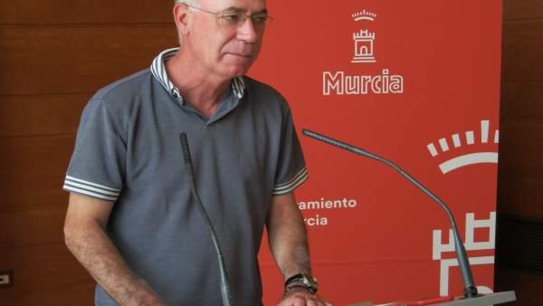 El concejal de Urbanismo, Medio Ambiente y Huerta, Antonio Navarro Corchón
