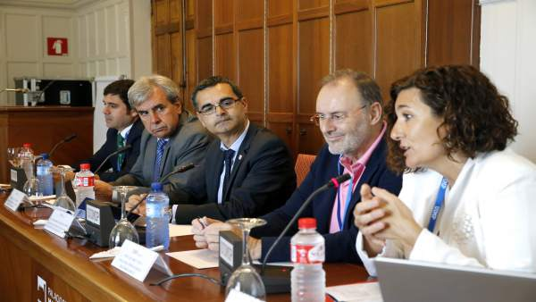 El consejero de Presidencia y Justicia en el curso sobre mediación de la UIMP