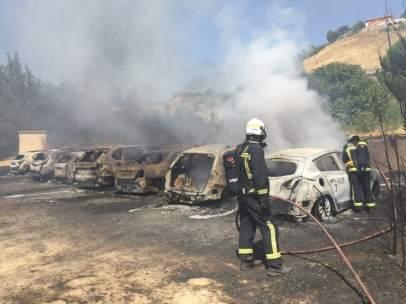 Fuego cerca del aeropuerto