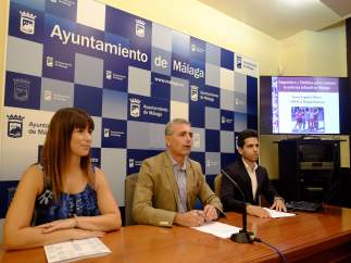Julio Andrade, Ruth Sarabia y Javier Espinosa, en rueda de prensa