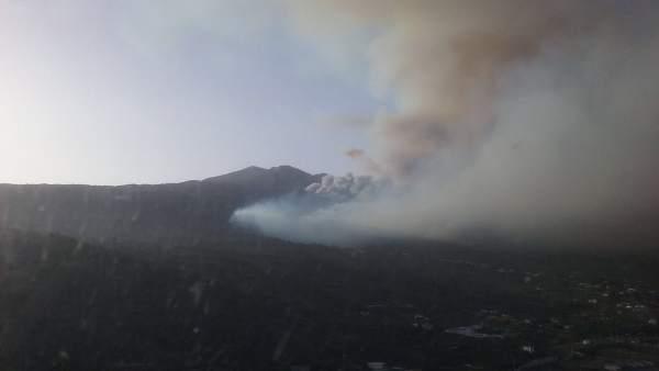 Vista aérea del incendio de La Palma