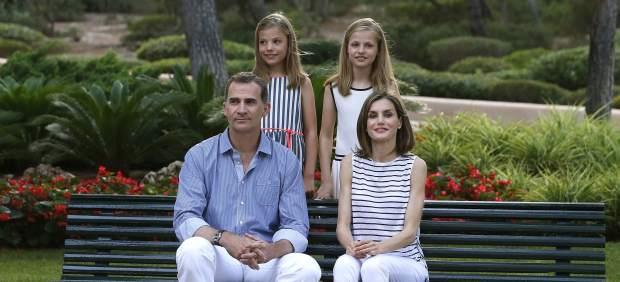 El rey Felipe VI y la reina Letizia, la princesa Leonor y la infanta Sofía