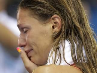 Efimova, llorando ayer en Río.