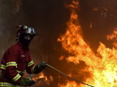 Una docena de incendios afectan a Portugal