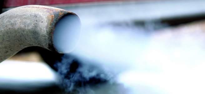 Diez pasajeros intoxicados por la filtración de gases del motor de un autocar