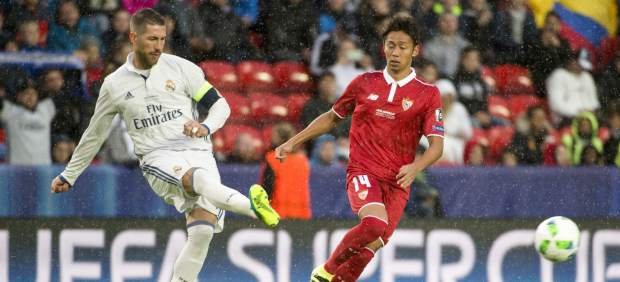 Ramos y Kiyokate en el Real Madrid - Sevilla