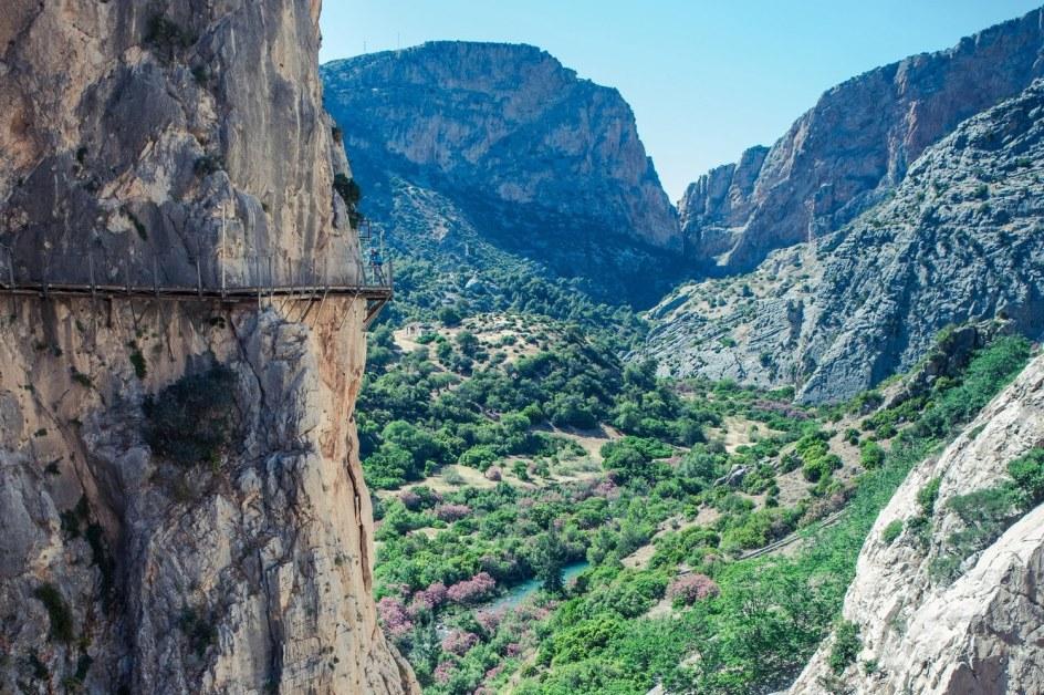 1,5 km de pasarelas situadas a 100 metros sobre el río.